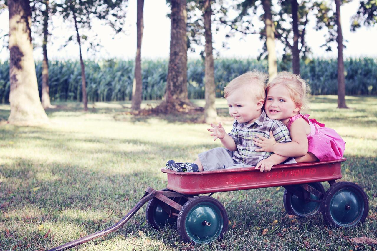 (Italiano) Matrimonio: 5 idee per intrattenere i bambini