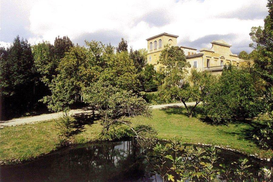 Il fascino e i segreti di Villa Gerini di Colonnata
